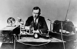 Marconi sends first Atlantic wireless transmission – 12/12/1901