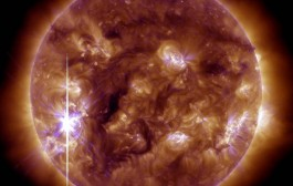 Huge solar storm hits Earth: power grid and GPS could be disrupted, but auroras might be seen