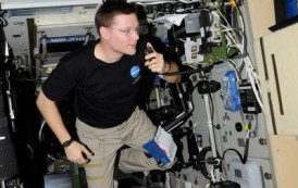 NA1SS – Space Station Crew Uses HAM Radio to Call Earth