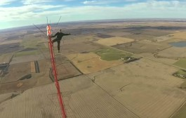 World's Tallest TV Tower Climb without Safety Equipment (475m)