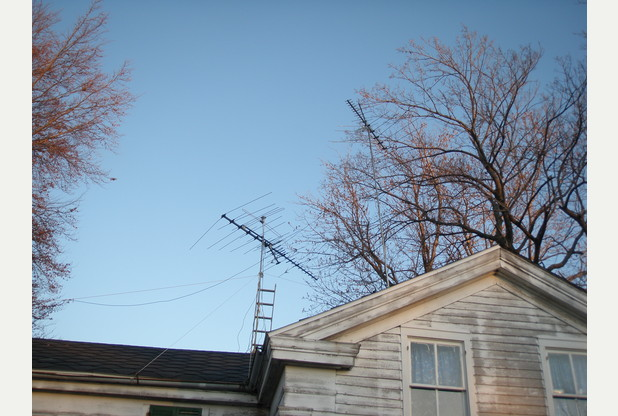 M0PAN  – Radio fanatic vows to erect 30ft mast even though neighbours say it affects their pacemakers
