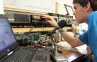 High school students call around the world via amateur radio club