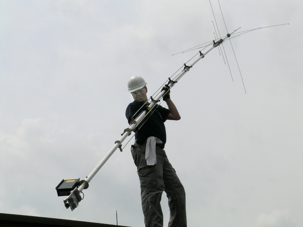 AV-640 HF VERTICAL, 8 BANDS-40/30/20/17/15/12/10/6 M