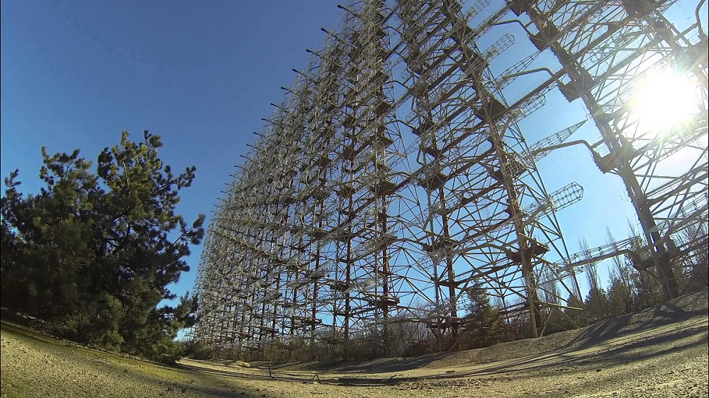 Woodpecker Antenna Becomes Drone Obstacle Course