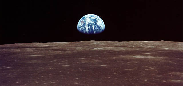 apollo-9-earthrise-viewed-from-lunar-orbit-prior-to-landing-640