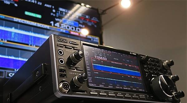 IC-7610 HF/50 MHz SDR Transceiver Previewed at Icom Radio Festival