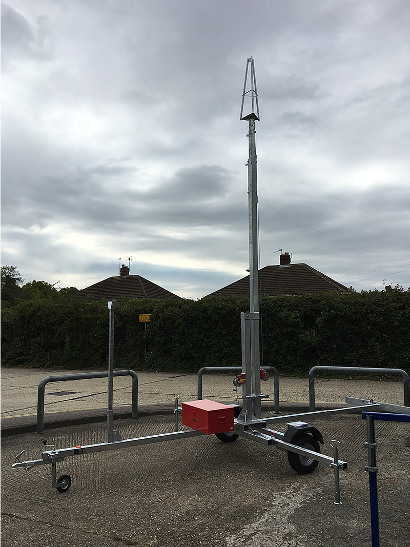 InnovAntennas Launch Trailer Mast Division