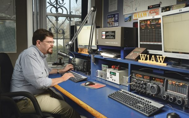 Ham radio operators amplify messages in face of Hurricane Florence
