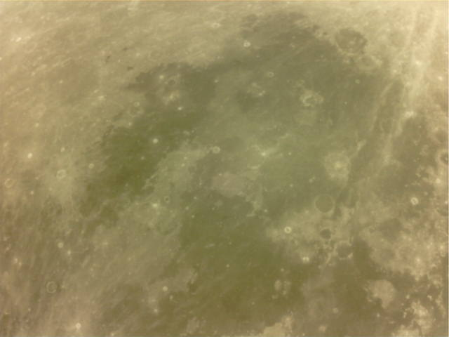 Lunar satellite sends pictures to radio hams