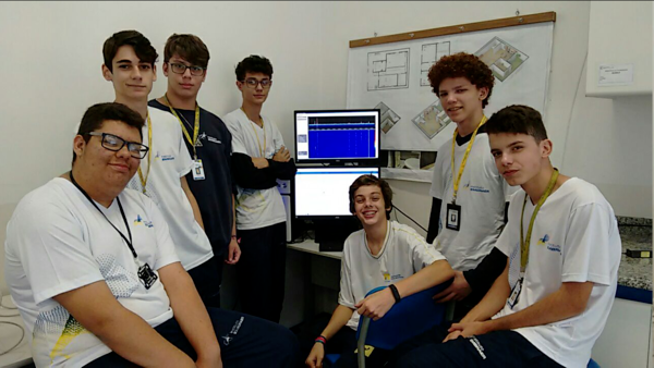 High school students in Brazil building QO-100 ground station