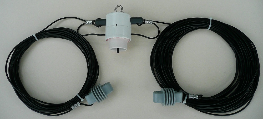 Five Wire Antennas Vying for Reference Station